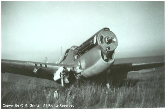 Curtiss P-40 P-40N%20scrapping%201
