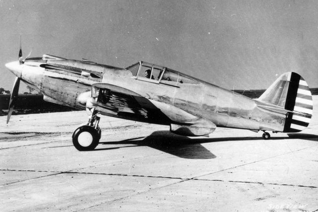 Curtiss P-40 XP-40%20Config%20early%20No1