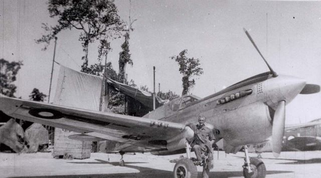 Curtiss P-40 Pic032