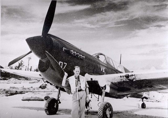Curtiss P-40 Pic060