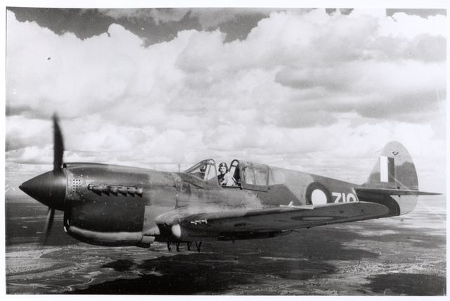 Curtiss P-40 Pic008